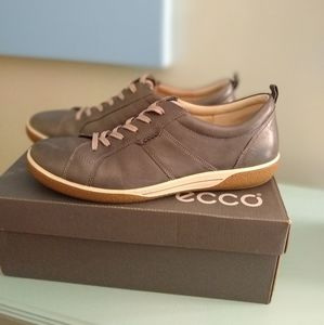 ECCO Chase Leather Sneakers Dark Gray 10/EUR 41